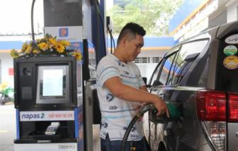 Giá xăng dầu tăng mạnh, gần 22.000 đồng/lít xăng RON95