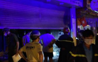 Giải cứu hai vợ chồng trong căn nhà bốc cháy ở TP. Thủ Đức