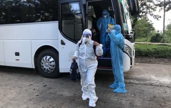 Quảng Ngãi, Bình Định đón hàng trăm thai phụ, trẻ em, học sinh từ các tỉnh phía nam về quê