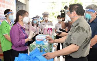 Sức mạnh của tình người, tình đoàn kết giúp Việt Nam vượt qua dịch bệnh