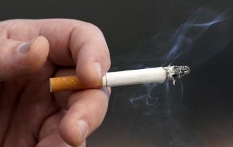 Người hút thuốc lá có khả năng nhập viện và tử vong vì COVID-19 cao hơn 80%