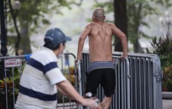 Người dân Hà Nội háo hức trong ngày đầu ra đường tập thể dục trở lại