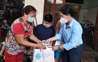 Báo Phụ nữ Việt Nam đồng hành với Hội LHPN TP.HCM chăm lo cho trẻ mồ côi cha mẹ vì COVID-19