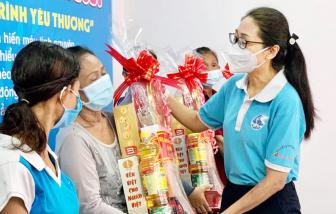 Tiếp nối yêu thương, hỗ trợ vốn và tặng quà cho phụ nữ, trao học bổng cho trẻ em