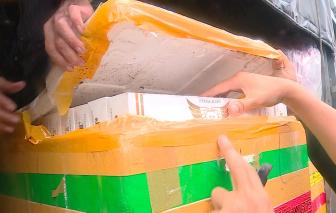 Clip: Xe luồng xanh chở gần 30.000 bao thuốc lá lậu ngụy trang trong thùng xốp bị bắt