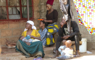 Đại dịch khiến các nước nghèo rơi vào cảnh nợ cùng cực