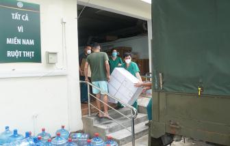 """Y, bác sĩ Bệnh viện Bạch Mai thu dọn đồ đạc chuẩn bị """"rút quân"""" khỏi TPHCM"""