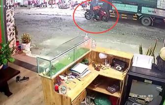 Bình Dương: Quên khoá cửa xe, bị trộm hơn 300 triệu đồng