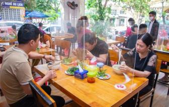 TPHCM thí điểm mở lại kinh doanh ăn uống tại chỗ