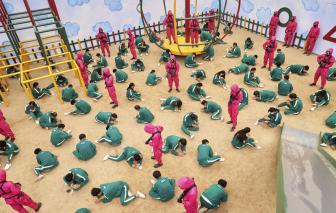 """Các trường học ở Úc, Anh, Bỉ... cảnh báo nguy hiểm từ phim """"Trò chơi con mực"""""""