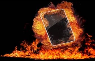 Vụ nam sinh tử vong lúc học online: Chị đã cố đưa em vào nhà tắm dập lửa
