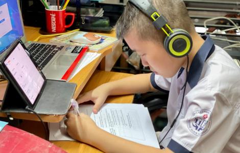 Kiểm tra trực tuyến: Lạm dụng công nghệ giám sát sẽ làm tổn thương học sinh