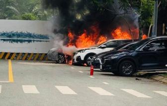 Chồng đốt xe tình địch vì ghen tuông