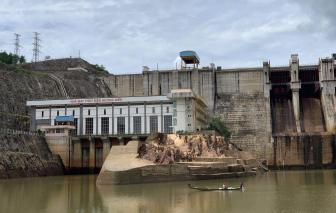 Thừa Thiên - Huế: 2 vợ chồng đánh cá bị lật ghe, mất tích trên sông Bồ giữa trời mưa lớn