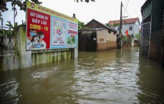 Hà Nội: Hàng trăm hộ dân ở Chương Mỹ bị ngập sâu trong nước