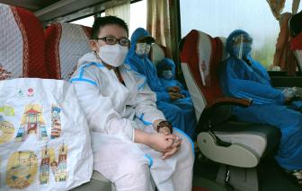 Hơn 500 học sinh, giáo viên Hà Tĩnh được CSGT dẫn đường từ miền Nam về quê