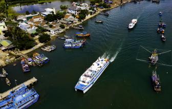Quảng Ngãi: Tàu thuyền được ra đảo Lý Sơn, du lịch hoạt động trở lại