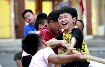 Trung Quốc: Bố mẹ sẽ bị phạt nặng nếu con có hành vi lệch chuẩn