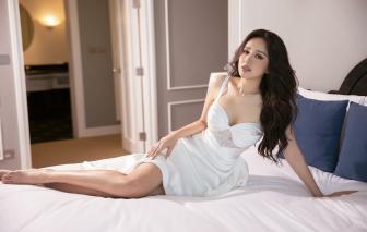 Hoa hậu Mai Phương Thuý khoe đường cong với trang phục cắt xẻ táo bạo