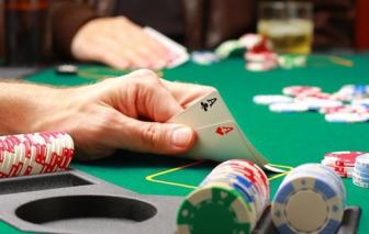 Khởi tố nhóm nhà báo đánh bạc