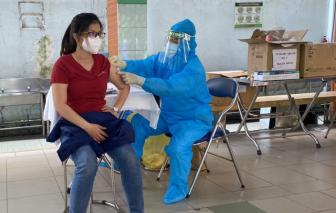 TPHCM khẩn trương tiêm vét vắc xin COVID-19 cho tất cả người từ 18 tuổi