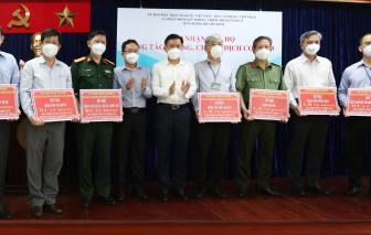 UBMTTQVN TPHCM tiếp nhận kinh phí ủng hộ 7 bệnh viện tuyến đầu chống dịch