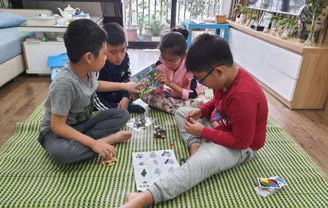 Hà Nội: Trường học đóng cửa phụ huynh nhốn nháo tìm lớp trông con