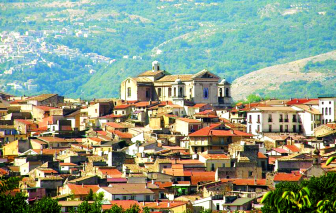 Thị trấn của những ngôi nhà 1 euro
