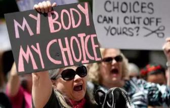 Hơn 30.000 phụ nữ Ba Lan tìm cách phá thai ở nước ngoài