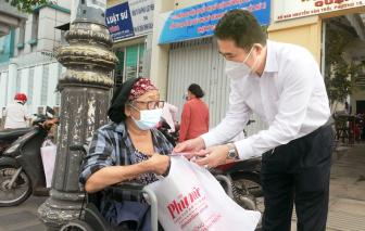 Báo Phụ Nữ TP.HCM tiếp sức các gia đình khó khăn do ảnh hưởng dịch bệnh