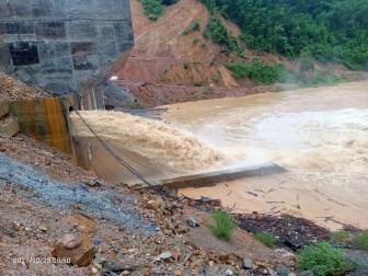 Bình Định: Nước sông đang lên nhanh, người dân lo lũ lớn đổ về