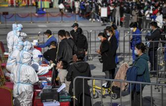 Nga ghi nhận kỷ lục ca nhiễm mới, Trung Quốc tiêm chủng cho trẻ từ 3 tuổi