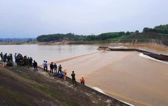 7 người mắc kẹt giữa đập tràn tại công trình thủy lợi Nam Thạch Hãn được cứu hộ an toàn