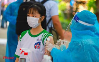1.500 học sinh đầu tiên ở TPHCM đã được tiêm vắc xin COVID-19