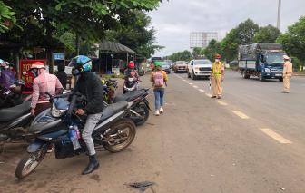 Cán bộ, người lao động ở Đắk Nông không được đến, về Đắk Lắk